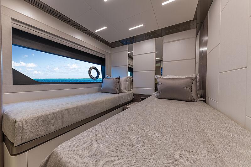 Cabine de yacht Ocean Alexander 27E