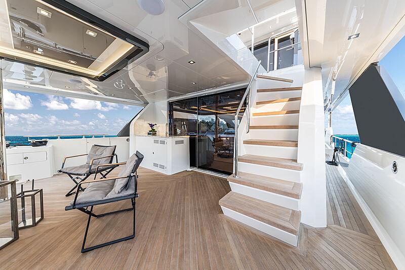 Escalier pour yacht Ocean Alexander 27E