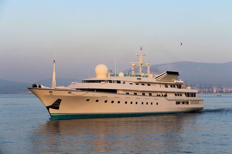 Kingdom 5KR arriving in Gibraltar