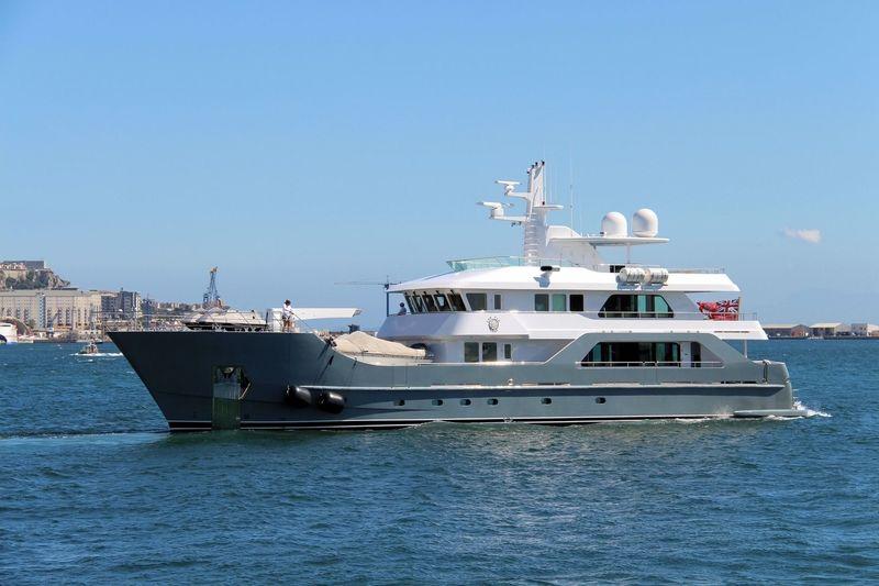 FAR FAR AWAY yacht Inace