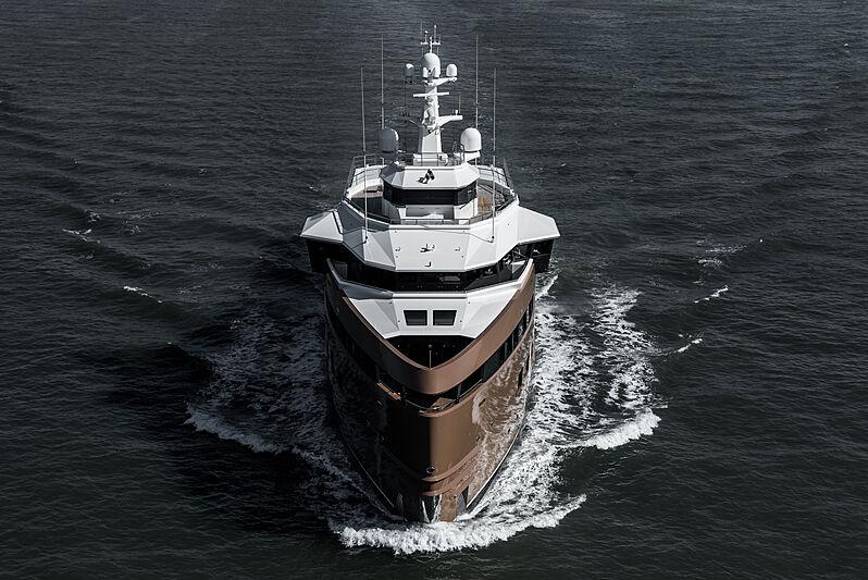 La Datcha yacht cruising