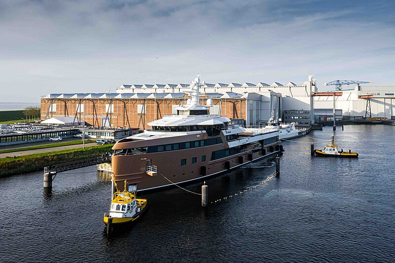 La Datcha yacht departure at Damen shipyard