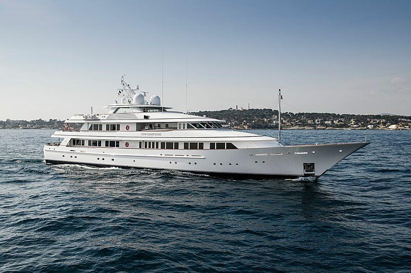 New Hampshire yacht cruising