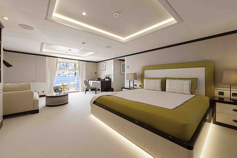 Galene yacht stateroom