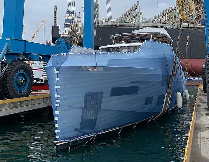 Sirena 88RPH/02 yacht launch at Sirena Marine yard