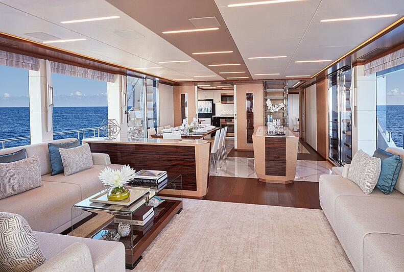 Ocean Alexander 28R07 yacht saloon