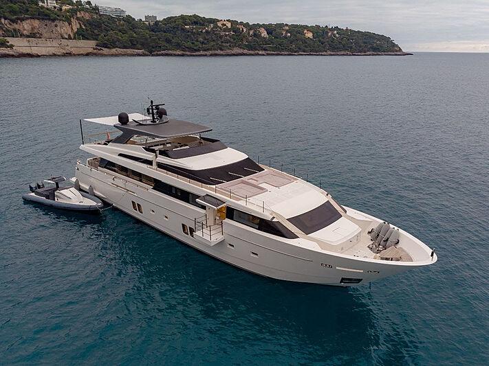 Haiia yacht anchored