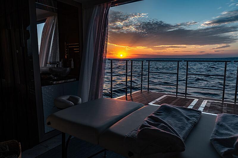 Tatiana yacht beach club