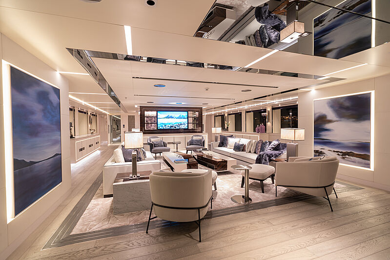 Tatiana yacht Main Deck saloon
