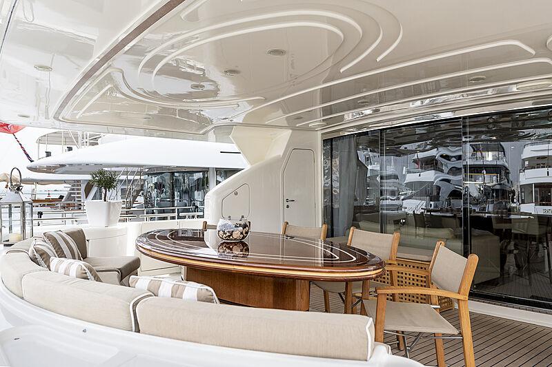 Setai yacht aft deck dining