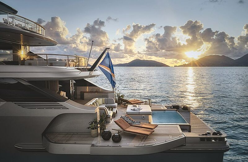 Rebeca yacht jacuzzi