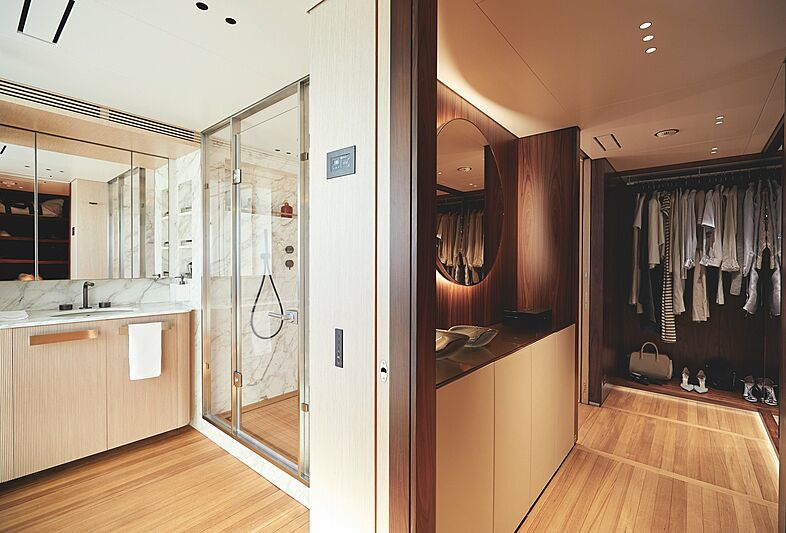 Rebeca yacht bathroom