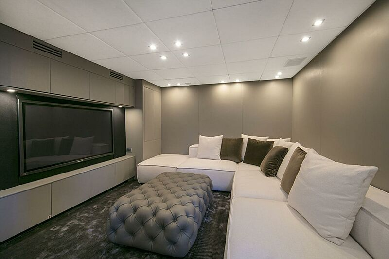 Pure One yacht lounge