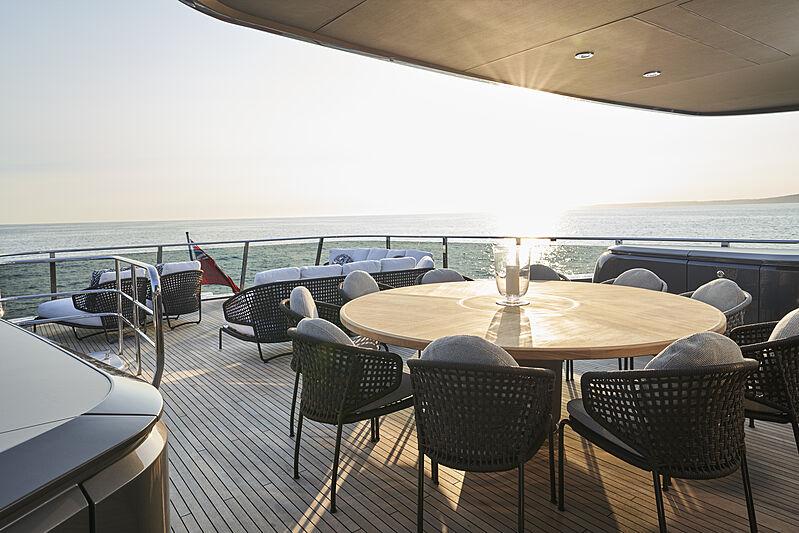 Princess X95/02 yacht sun deck