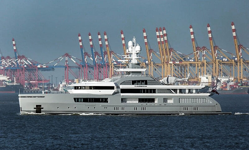 Cloudbreak yacht in Bremerhaven