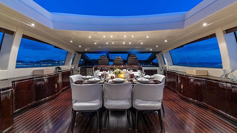 Jomar yacht dining room