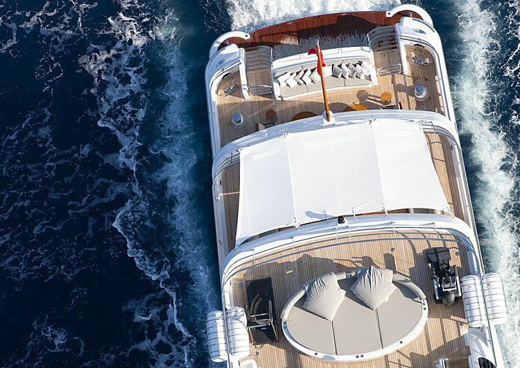 Spirit yacht cruising