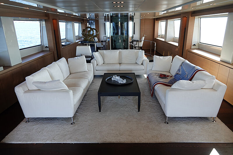 Il Gattopardo yacht interior saloon