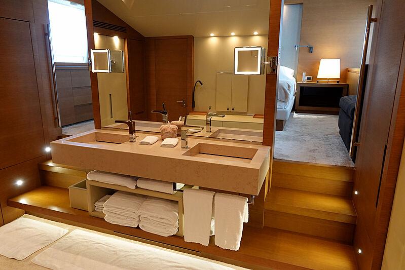 Il Gattopardo yacht stateroom