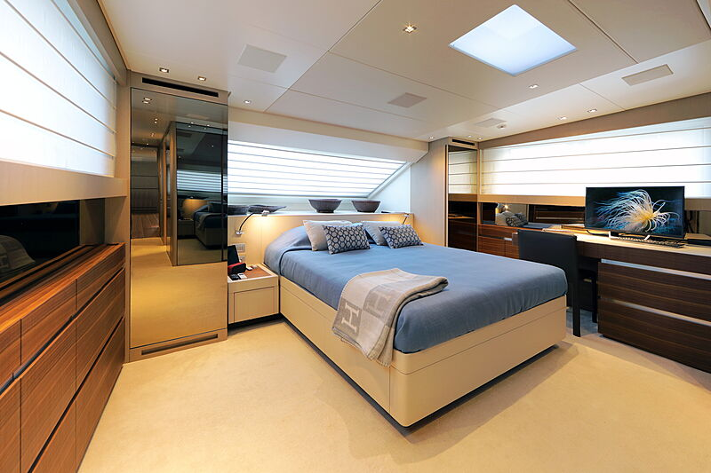 Stella yacht master's cabin
