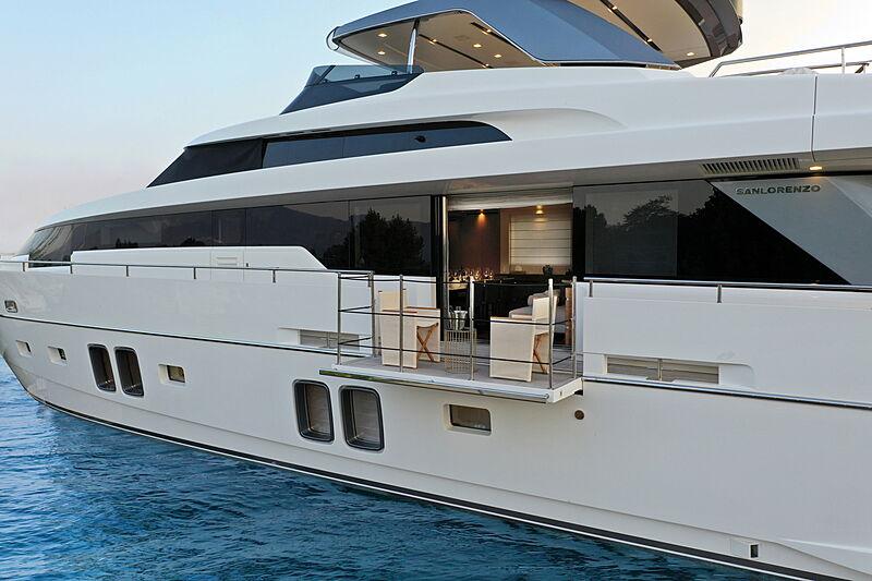 Stella yacht exterior