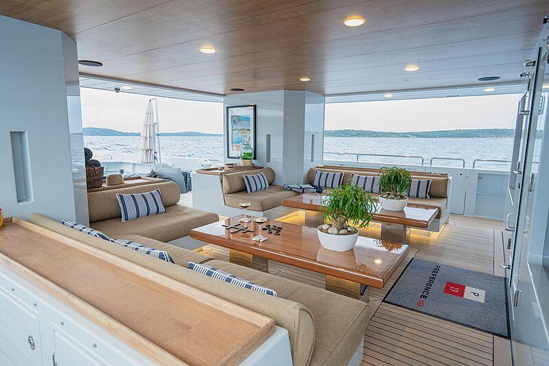 Preference 19 yacht saloon