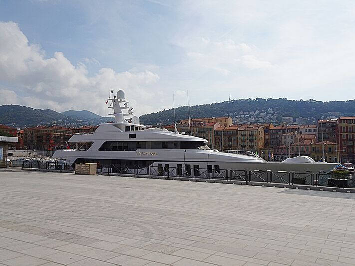 My Little Violet yacht in Nice