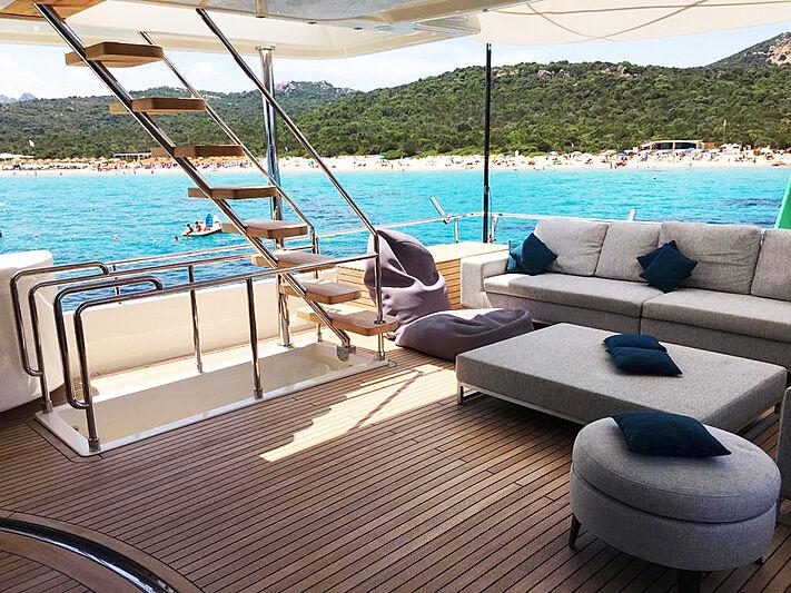 Palgremat yacht aft deck