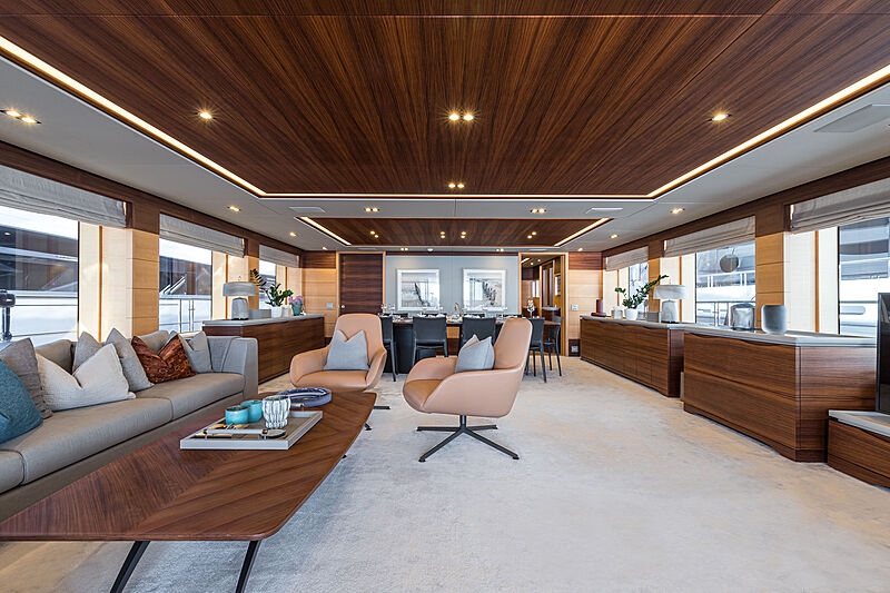 Zazou yacht saloon