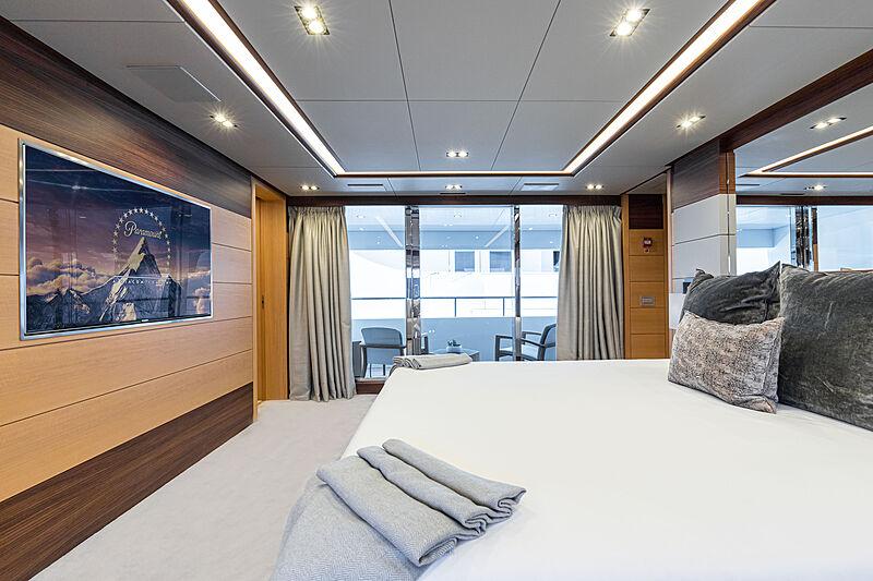 Zazou yacht stateroom
