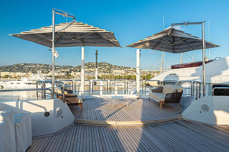 Zazou yacht deck