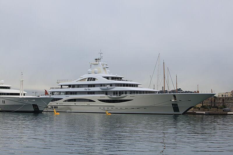 Lady Gulya yacht at Antibes