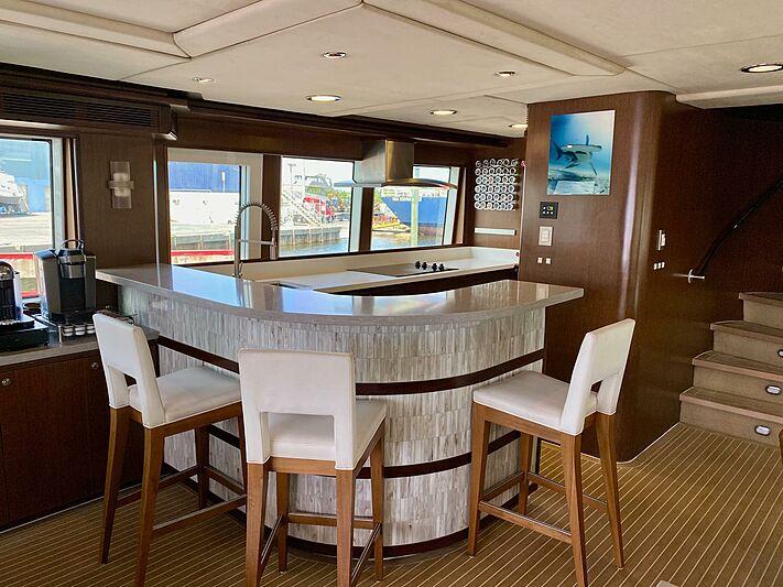 Hiatus yacht dining