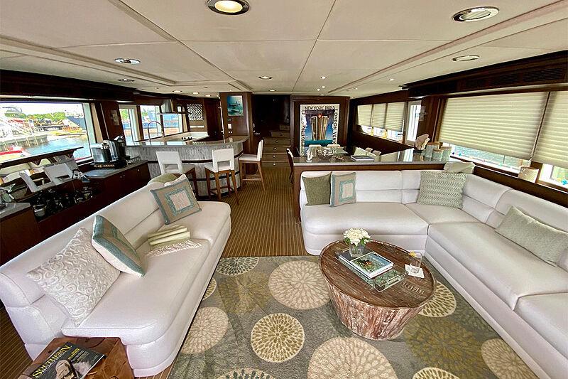 Hiatus yacht saloon