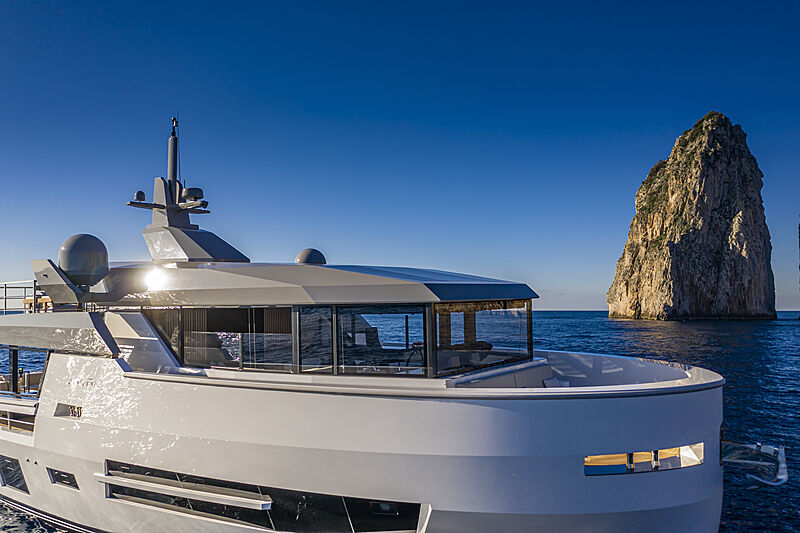 Sherpa XL #02 yacht exterior detail
