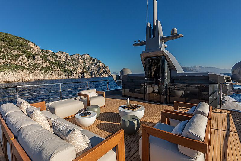 Sherpa XL #02 yacht sun deck