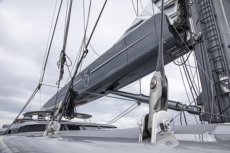 M5 yacht rig