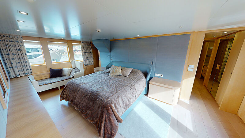 North Explorer yacht stateroom