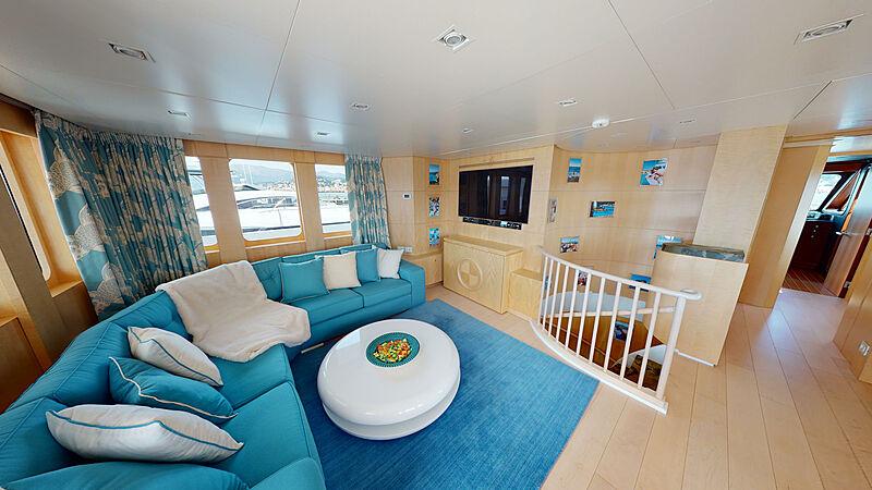 North Explorer yacht saloon