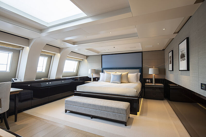 M5 yacht stateroom