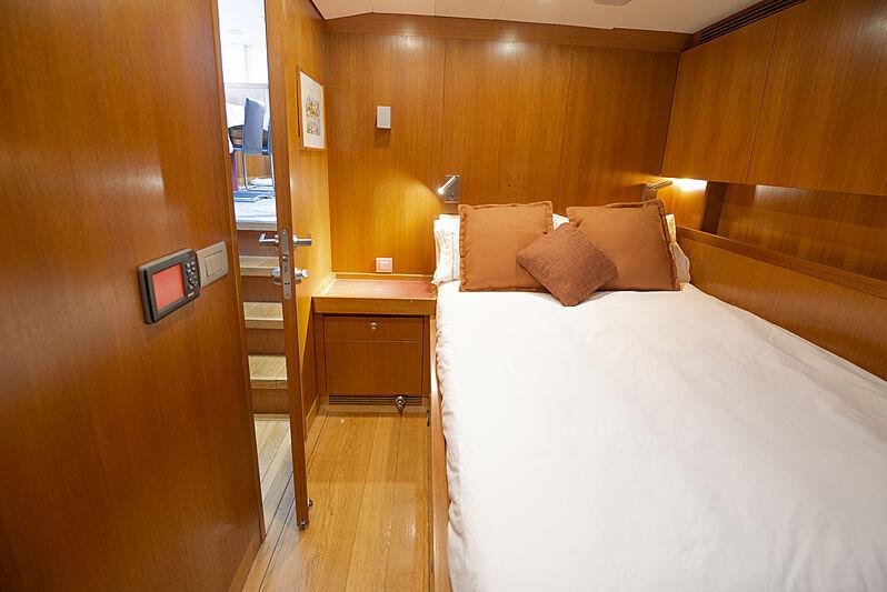 Varsovie yacht galley
