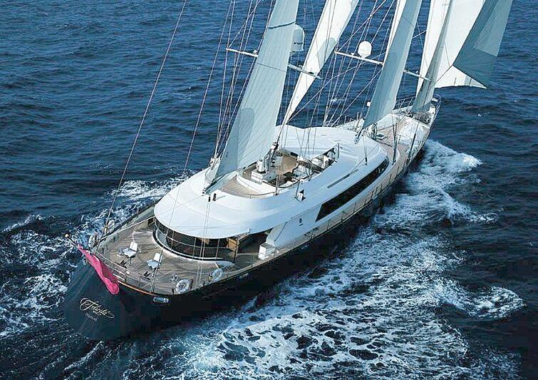 Felicita West yacht cruising