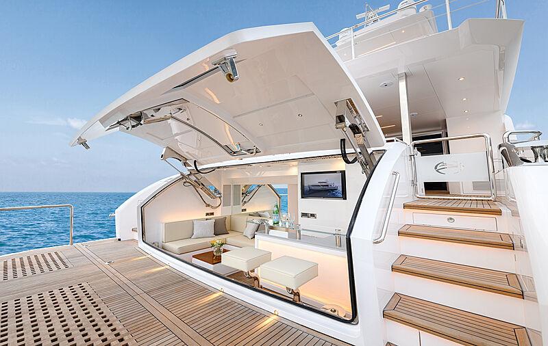 Horizon FD92/17 yacht beach club