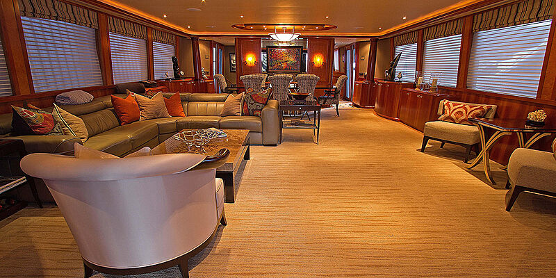 Glory yacht saloon