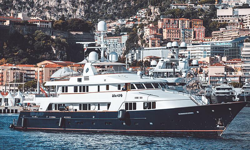 Blu 470 yacht by Feadship in Monaco