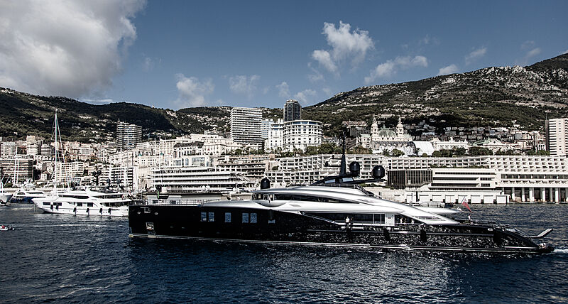 Okto yacht by ISA Yachts arriving in Monaco