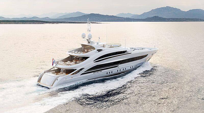 Aura yacht exterior design