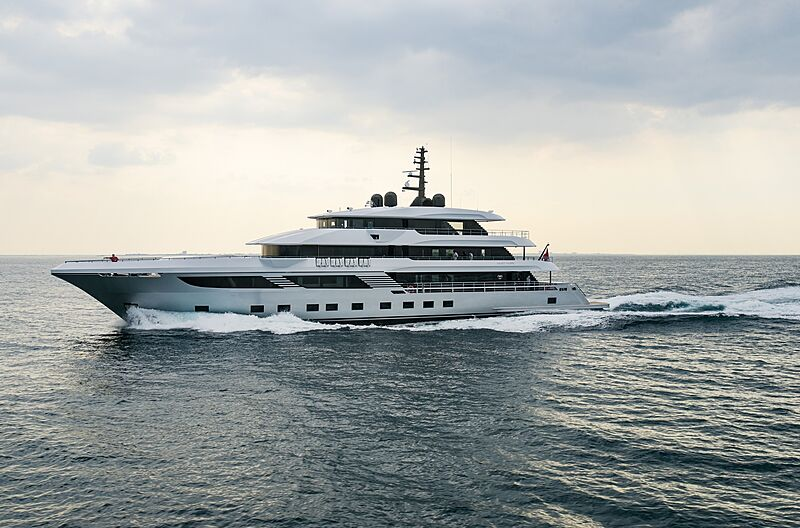 Majesty 175/001 yacht on sea trials