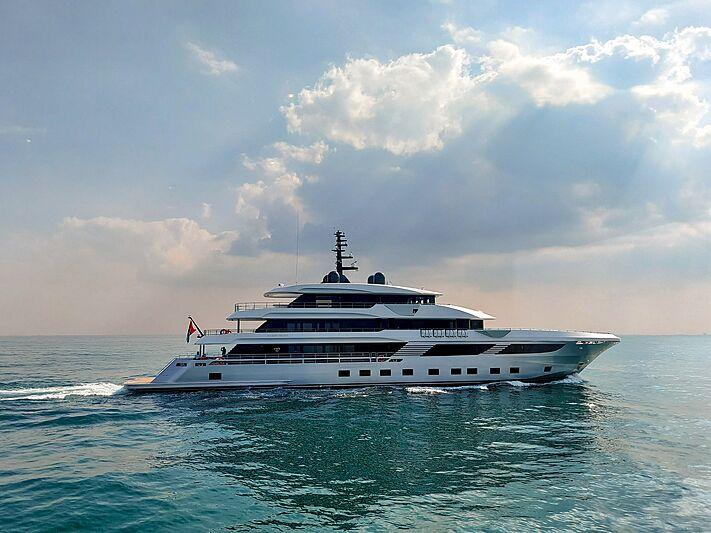Majesty 175/001 yacht on sea trials