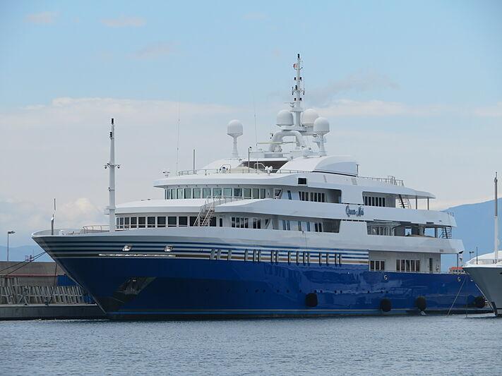 Queen Miri yacht at Amico & Co yard